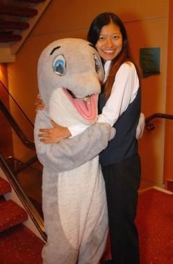 Yiling dolphin hug
